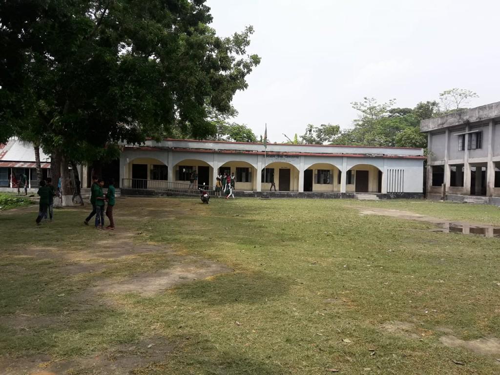 Madariour Chalbal high school oniom pic